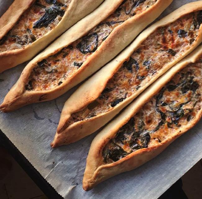 פידה – מאפה תרד וגבינות מופלא מהמטבח הטורקי